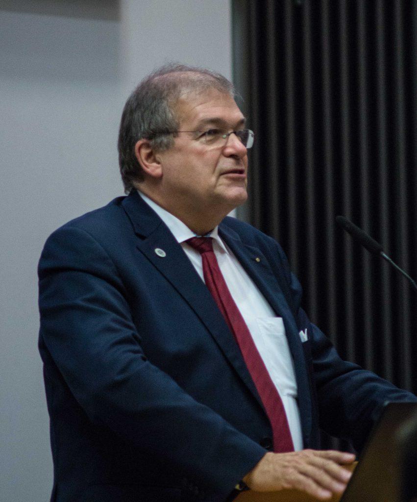 Rektor Prof. Dr. Wolfgang Schareck: Digitalisierung ist der Umbruch unserer Zeit.